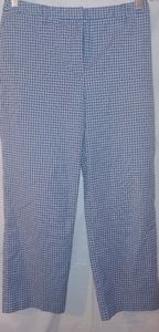 Sz10 Ann Taylor Loft Capris.  Blur and White Plaid